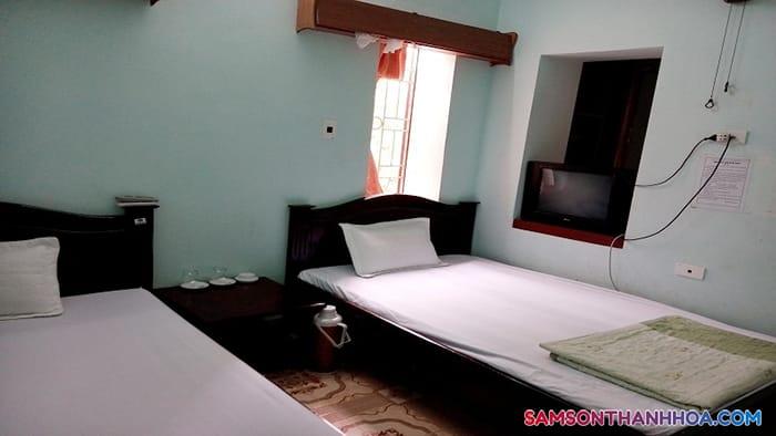 Phòng cỡ vừa với 2 giường đôi