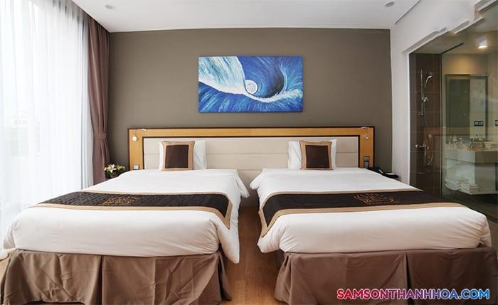 Giường ngủ đôi rộng rãi