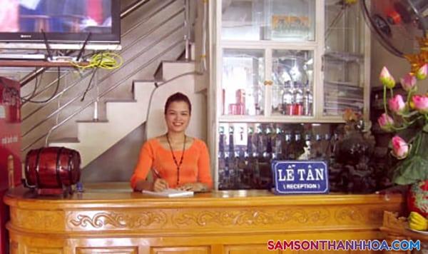 Lễ tân khách sạn Châu Bình