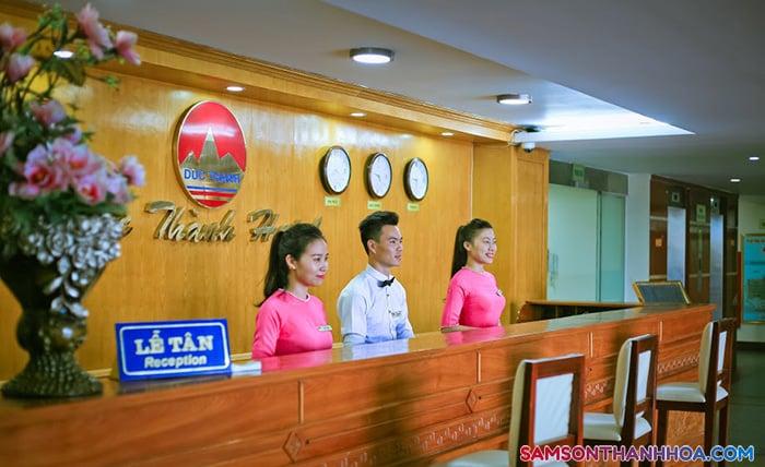 Lễ tân khách sạn nằm ngay tầng 1