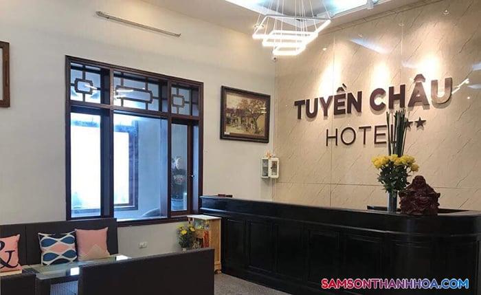 Khu vực lễ tân khách sạn tại tầng 1
