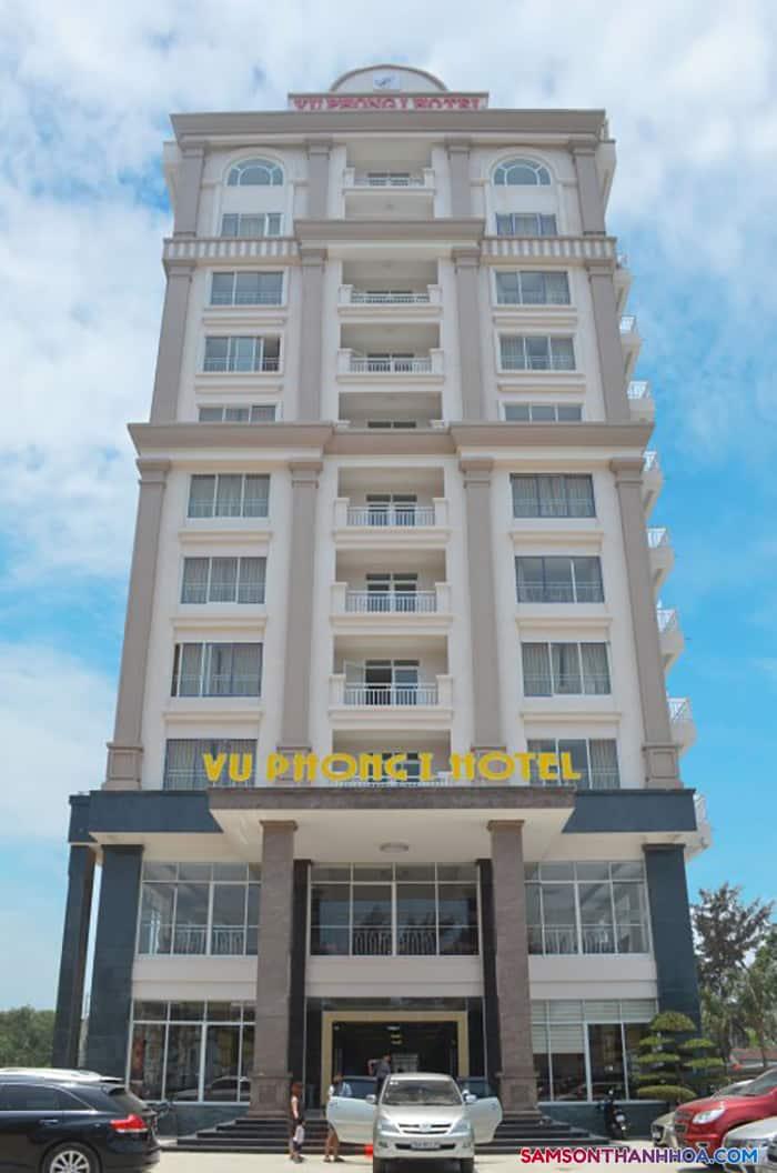 Mặt tiền khách sạn nằm ngay mặt biển
