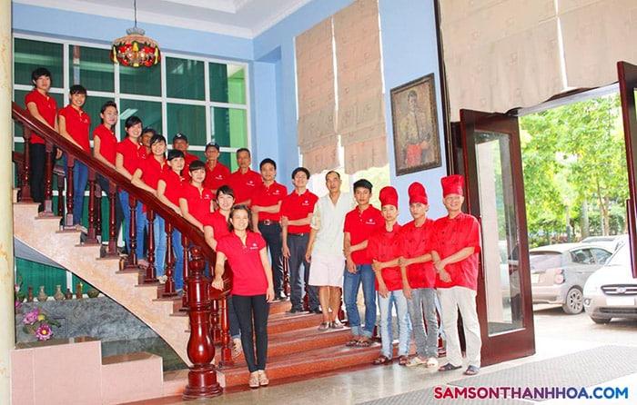 Đội ngũ nhân viên phục vụ