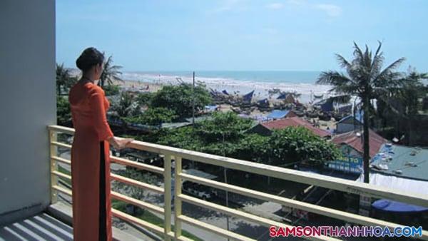 View biển nhìn trừ ban công khách sạn