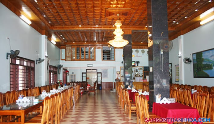 Phòng ăn tập thể phục vụ ăn uống