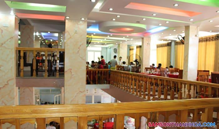 Phòng ăn nằm tại tầng 2