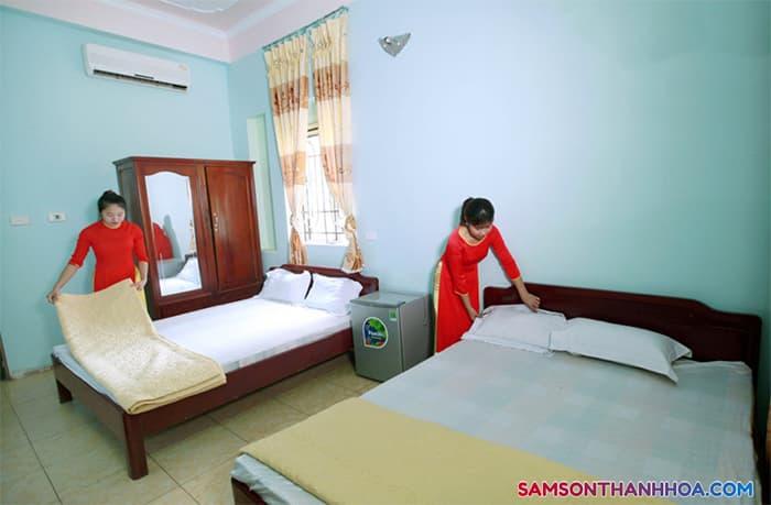 Phòng nghỉ với 2 giường ngủ cỡ lớn