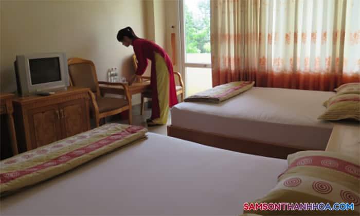 Phòng nghỉ cỡ lớn với 2 giường ngủ