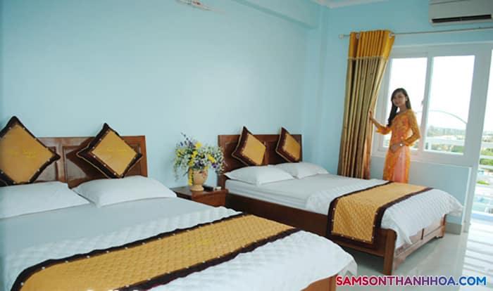 Phòng nghỉ với 2 giường đôi, rộng rãi