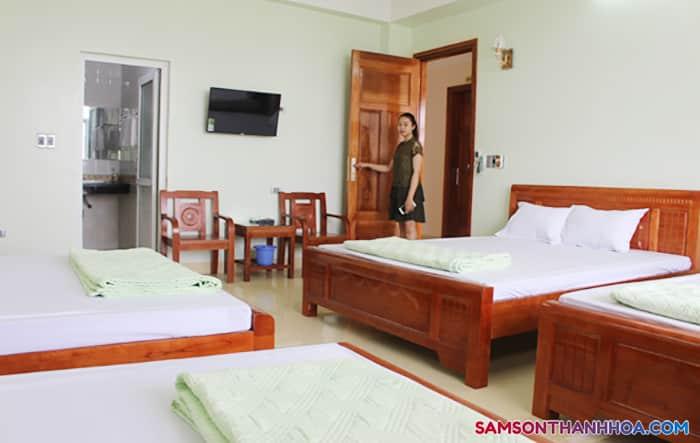 Phòng ngủ cỡ lớn có 4 giường