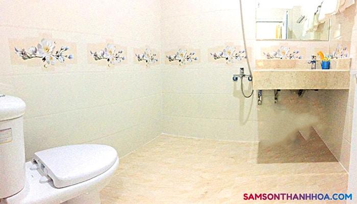 Phòng tắm sạch sẽ, trang nhã