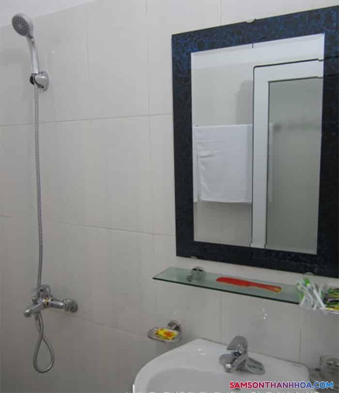 Trang thiết bị bên trong phòng tắm