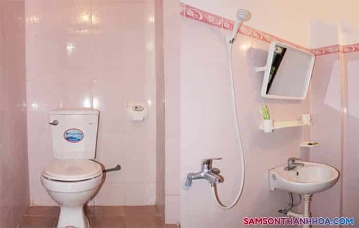 Phòng tắm rộng rãi, sạch sẽ