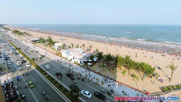 Toàn cảnh biển Sầm Sơn vào hè 2019