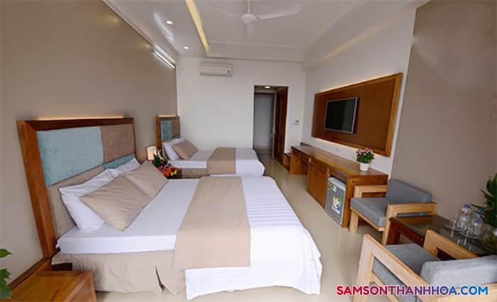 Phòng ngủ với 2 giường đôi