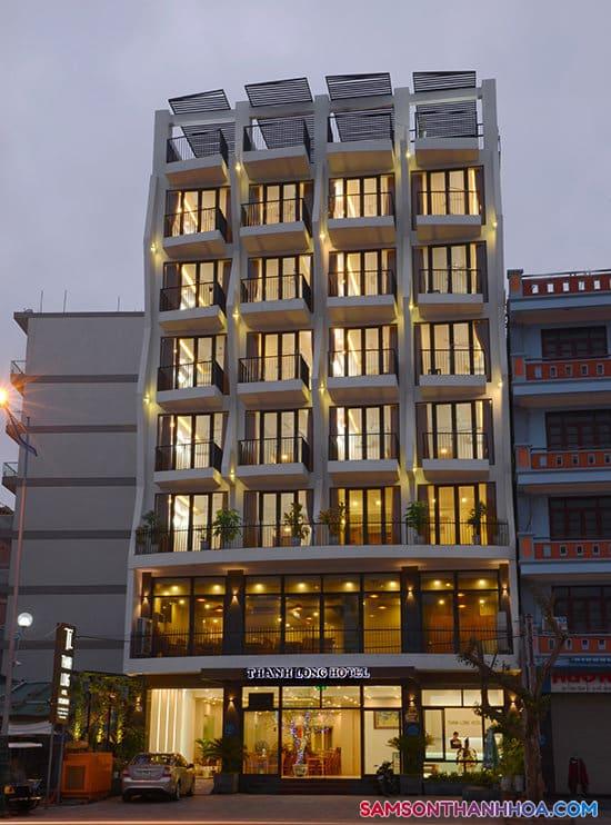 Khách sạn chụp vào buổi đêm