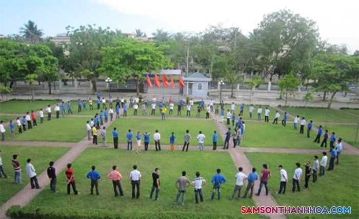 Khuôn viên rộng rãi, phù hợp chơi team building