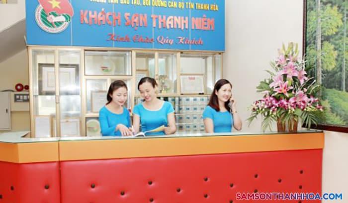 Nơi hướng dẫn quý khách thủ tục phòng nghỉ, đặt món ăn hải sản