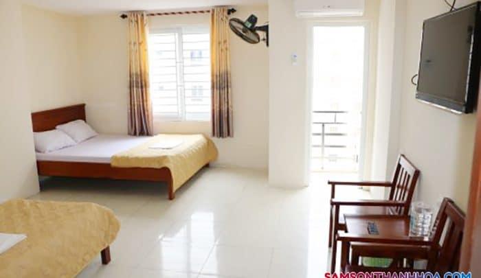 Phòng nghỉ rộng có tới 2 giường ngủ
