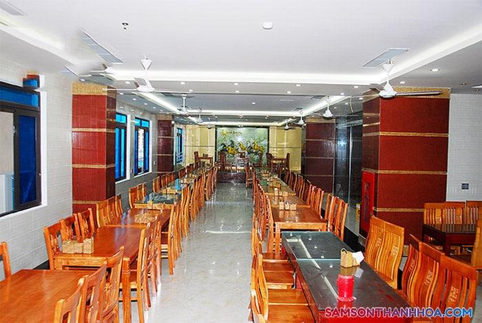 Phòng ăn lớn tại tầng 1