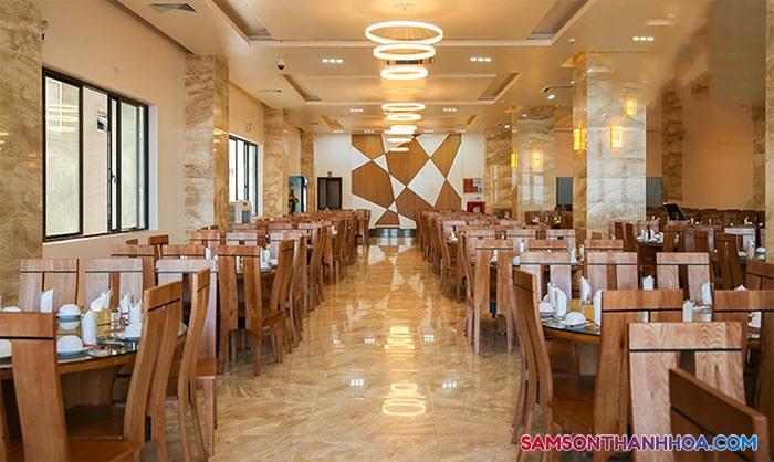 Phòng ăn phục vụ hải sản