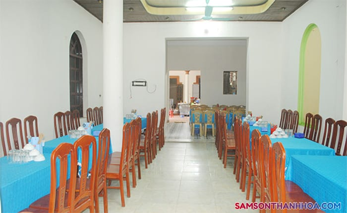Phòng ăn rộng rãi tại tầng 1