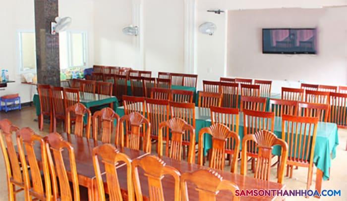 Phòng ăn tập thể có thể phục vụ cùng lúc 200 suất ăn