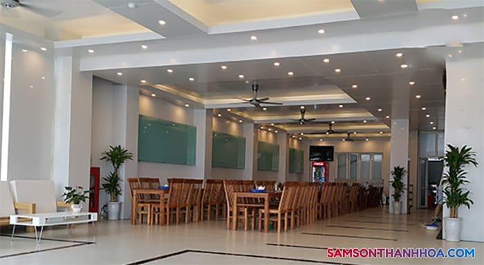 Phòng ăn tập thể tại tầng 1