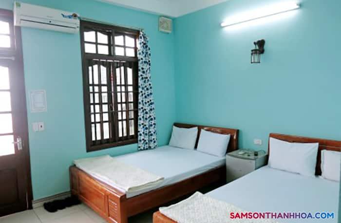 Phòng nghỉ cỡ trung với 2 giường ngủ