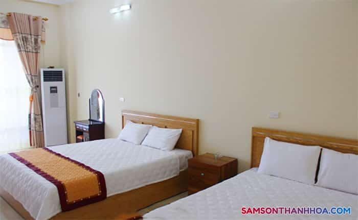 Phòng nghỉ thoáng mát, có tới 2 giường ngủ