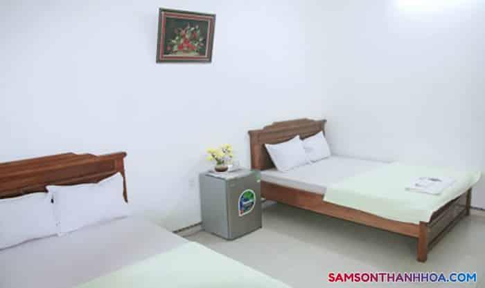 Phòng nghỉ có 2 giường đôi rộng rãi