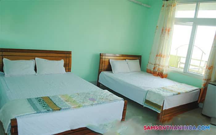 PHòng nghỉ rộng rãi với 2 giường đôi