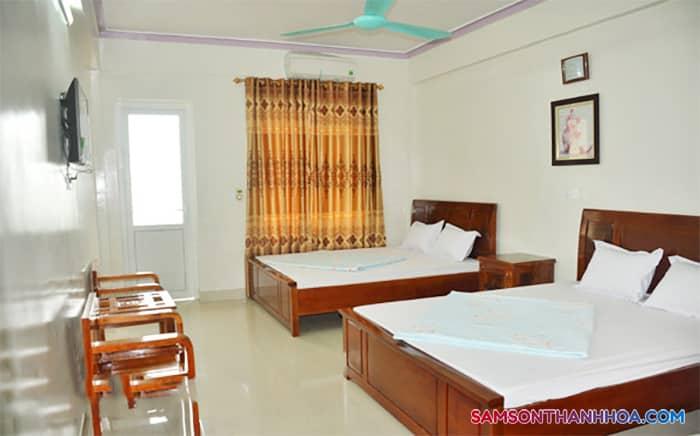 Phòng nghỉ hiện đại, sang trọng với 2 giường ngủ đôi