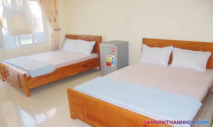 Bên trong phòng nghỉ có 2 giường đôi