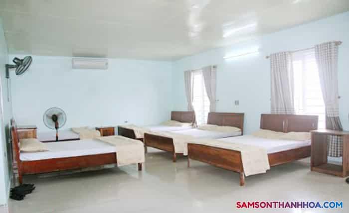Phòng cỡ lớn với 4 giường đôi
