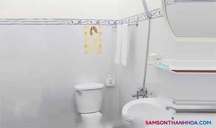 Thiết bị bên trong phòng tắm