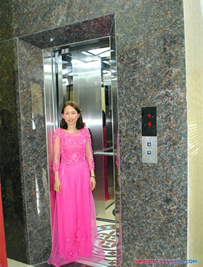 Có sẵn thang máy tại tầng 1