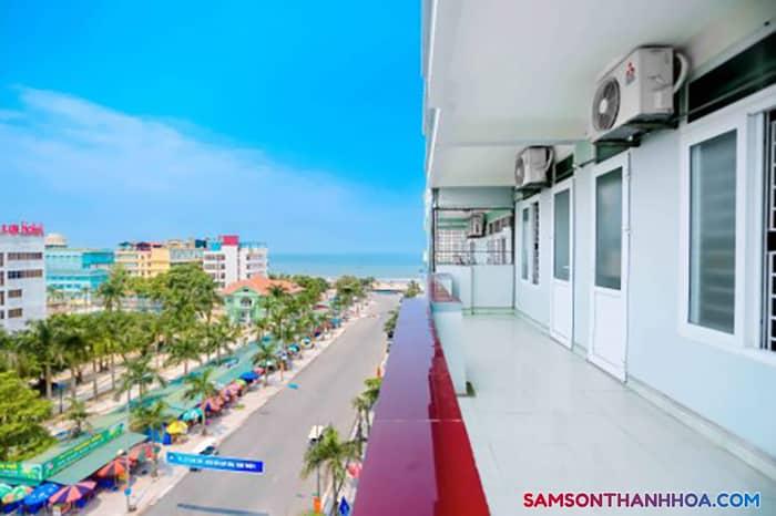 View biển nhìn từ ban công phòng nghỉ