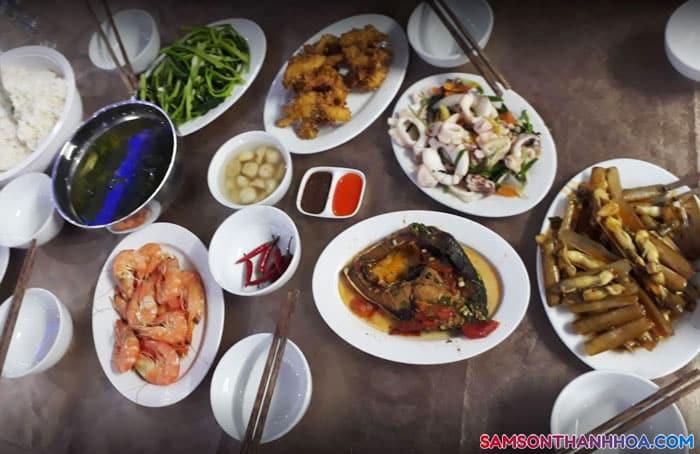 Bữa ăn hải sản của khách sạn
