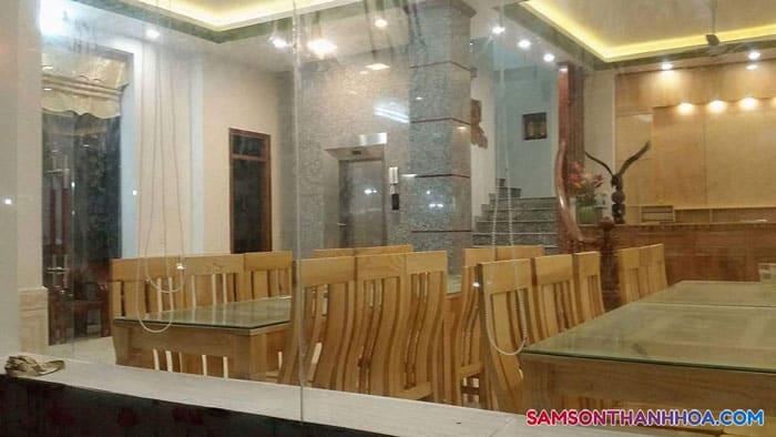 Nhà hàng khách sạn