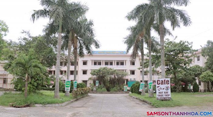 Lối vào của khách sạn Đường Sắt Sầm Sơn