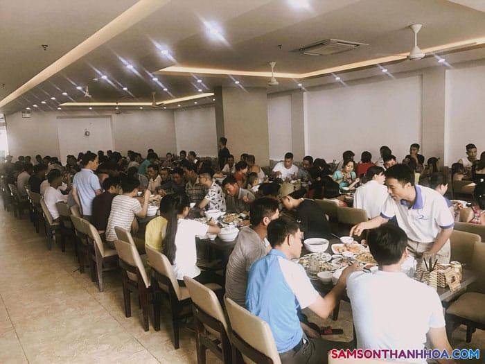Nhà hàng tại khách sạn Sông Gianh Sầm Sơn
