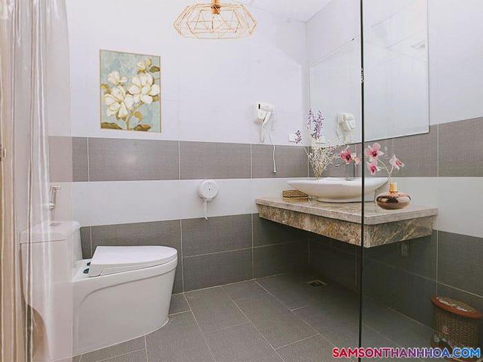 Nội thất phòng tắm khách sạn Sông Gianh Sầm Sơn
