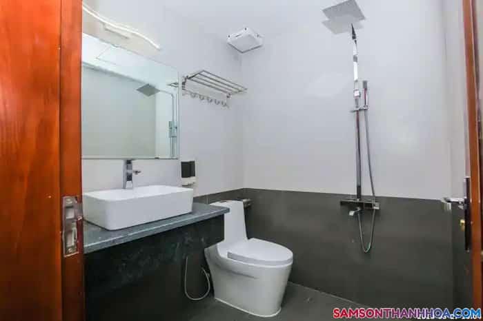Nội thất phòng vệ sinh của các phòng nghỉ