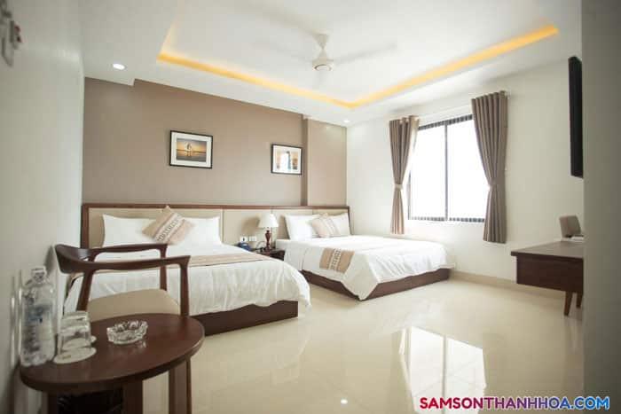Phòng ngủ sang trọng, có hướng biển hoặc hướng núi
