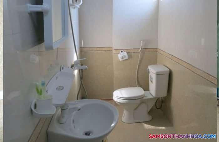 Nhà tắm sạch sẽ, nội thất mới