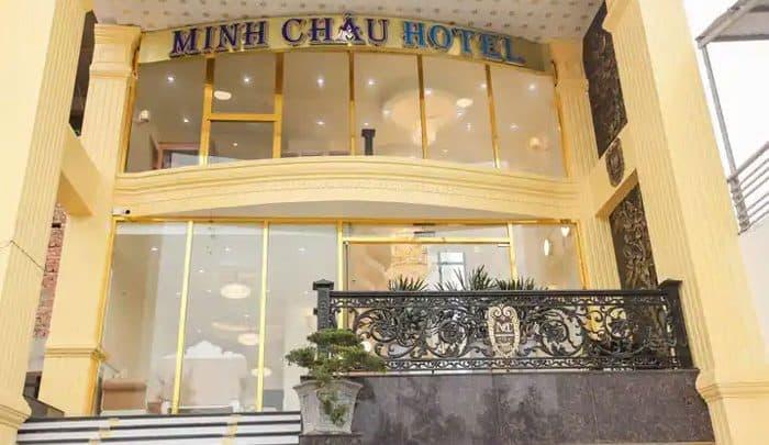 Tiền cảnh của khách sạn Minh Châu Sầm Sơn